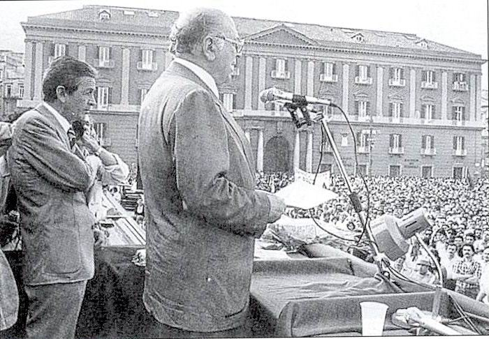 Abdon Alinovi con Enrico Berlinguer a Napoli