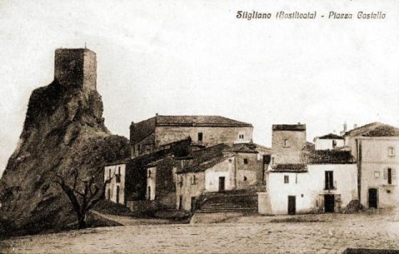 Stigliano, Il Castello visto da Villa Marina