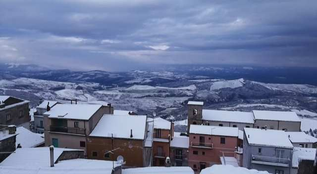 Nuova ondata di maltempo, nevica su tutta la Collina Materana