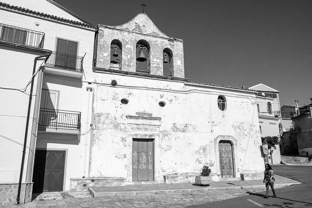 Stigliano, la cappella dei Sacri Cuori in Villa Marina