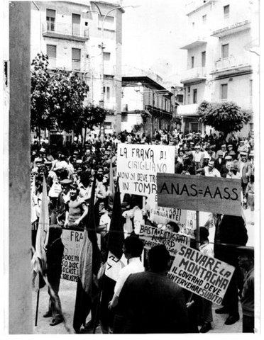 Piazza Garibaldi, Manifestazione