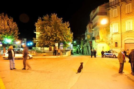 Stigliano, Piazza Garibaldi, sera