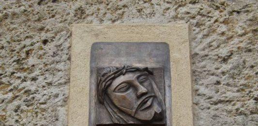 Benedizione volto Cristo 2