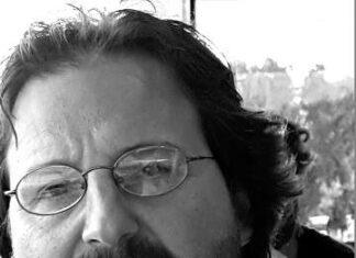 Nicola Fornabaio, autore del libro Simmetrie esistenziali
